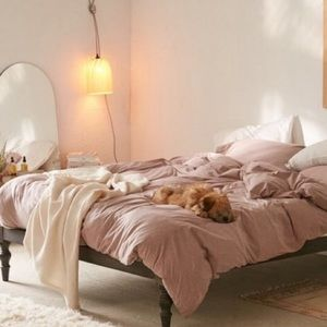 Urban Outfitters Bedding - Pink Urban Outfitters jersey queen duvet cover